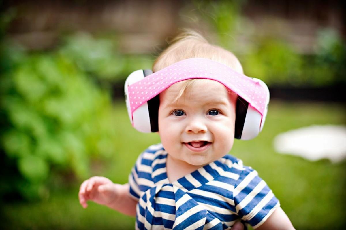Kleine oorkapjes voor kleine babyoortjes