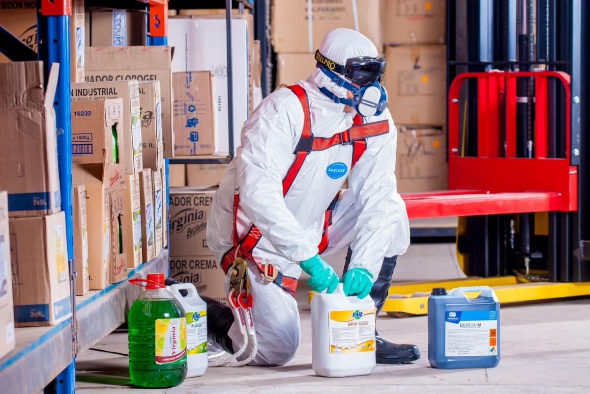 Meeste chemiebedrijven onveilig