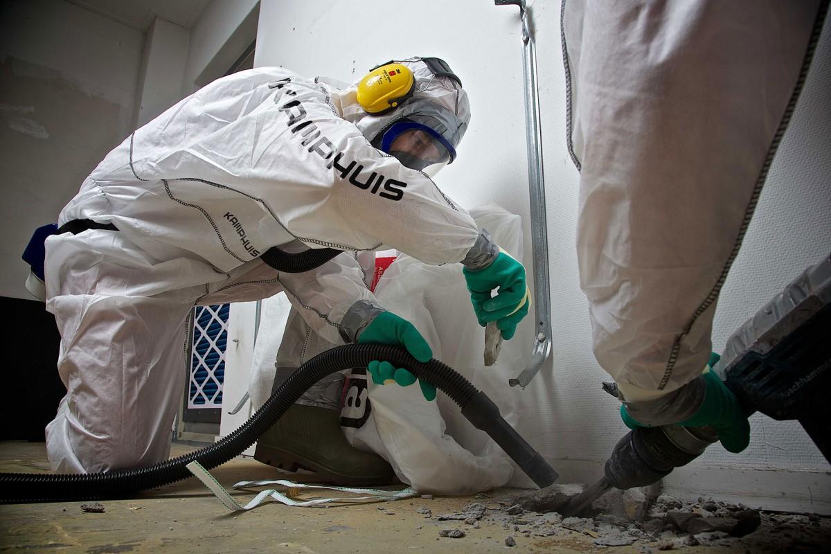Welke PBM voor asbestverwijdering? Pak jezelf goed in!