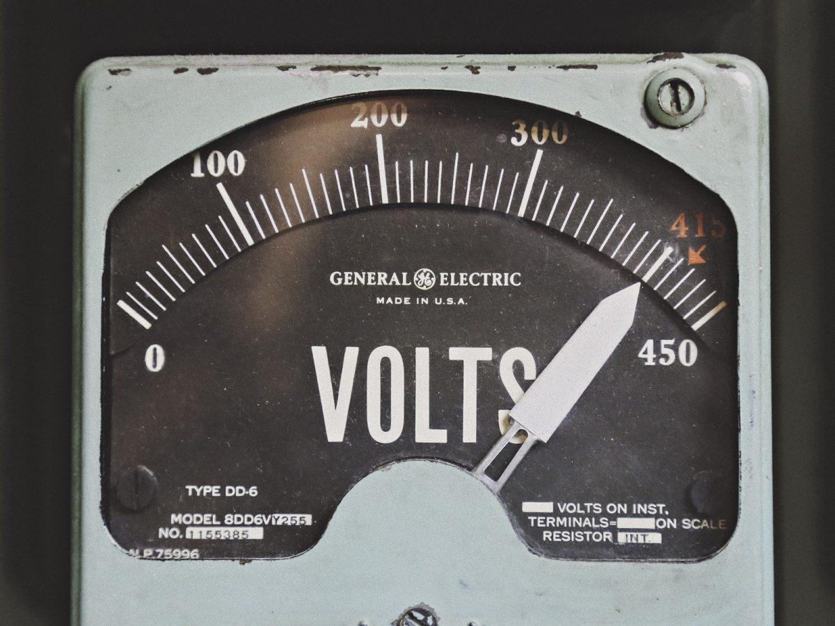 ESD- of anti-statische PBM tegen een elektrostatische ontlading: een wereldschokkend verschil?