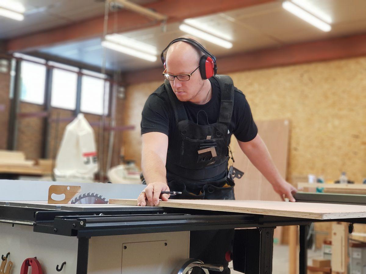 CoolSafety Stories – Toms Woodwork: houtbewerking als beroep