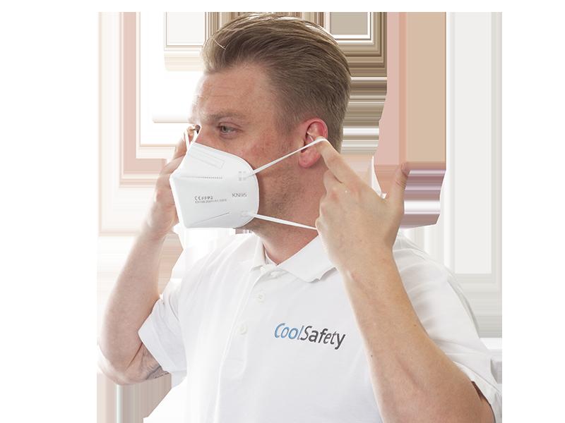 FFP2 Masker (KN95) wordt gedragen door iemand van CoolSafety
